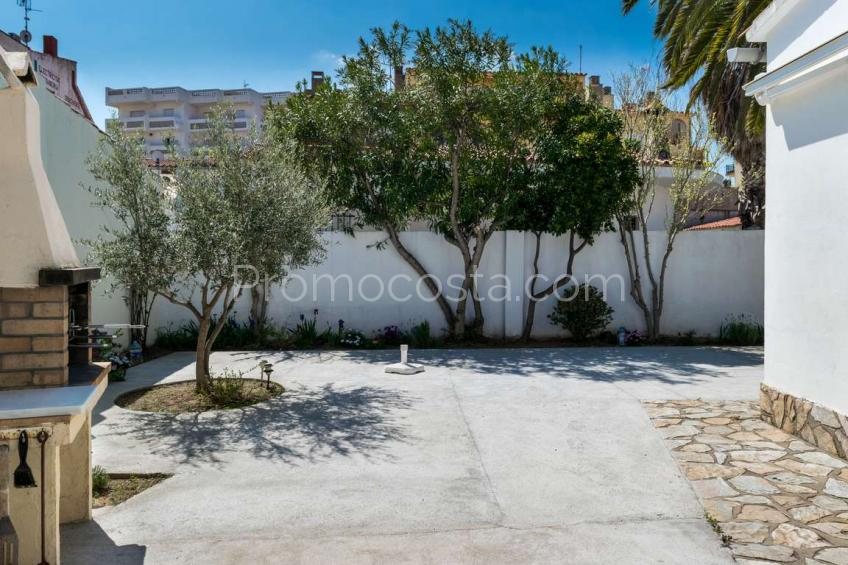 L'Escala, Casa independiente con jardín a 50m playa