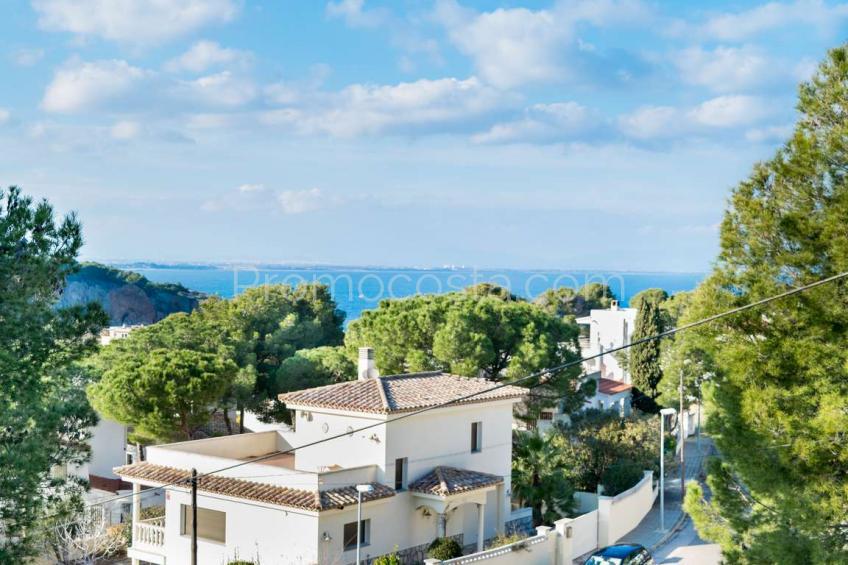 L'Escala, Parcela con vistas al mar situada en Montgo